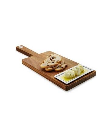 Planche de bois avec plat d'huile