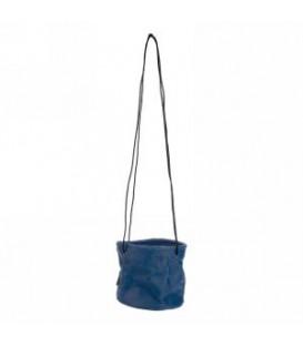 Jardinière à suspendre avec un pot bleu